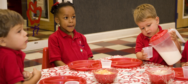 Preschool ages children eating